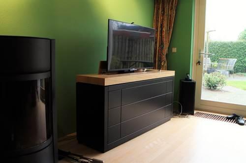 Tv Lift Meubel.Tv Meubel Met Ingebouwde Tv Lift Vlugt Interieurs